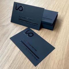 tarjetas de visita papel negro con barniz